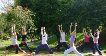 exercc3adcio-de-yoga-que-estimula-o-corac3a7c3a3o