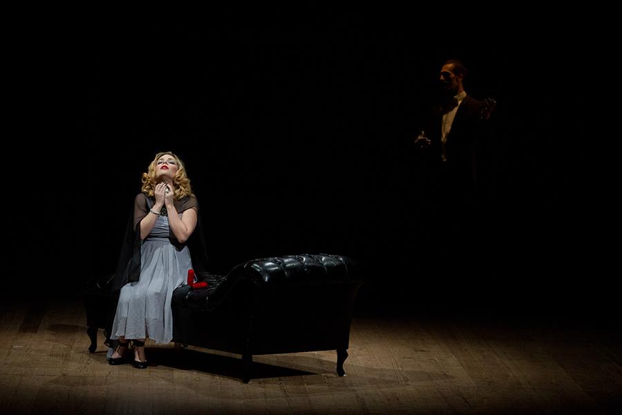 Ópera Curta apresenta versão de La Traviata no Teatro Teresa D'Ávila