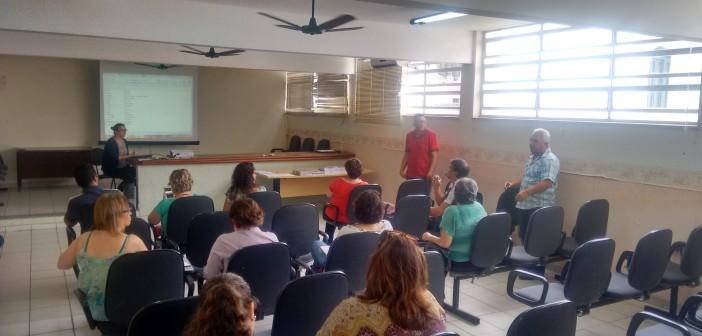 Conselheiros de Saúde da região recebem curso de formação, em Lorena