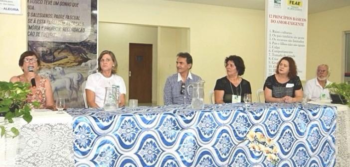 Lorena implanta grupo de apoio 'Amor Exigente', programa de acolhimento de familiares e dependentes químicos