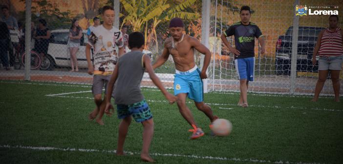 Prefeitura entrega nova quadra de futebol society para moradores do bairro Novo Horizonte