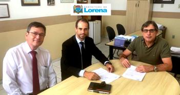 Prefeito assina contrato de repasse de verba para obras de infraestrutura na Vila Rica, Vila Diva e Vila Geny