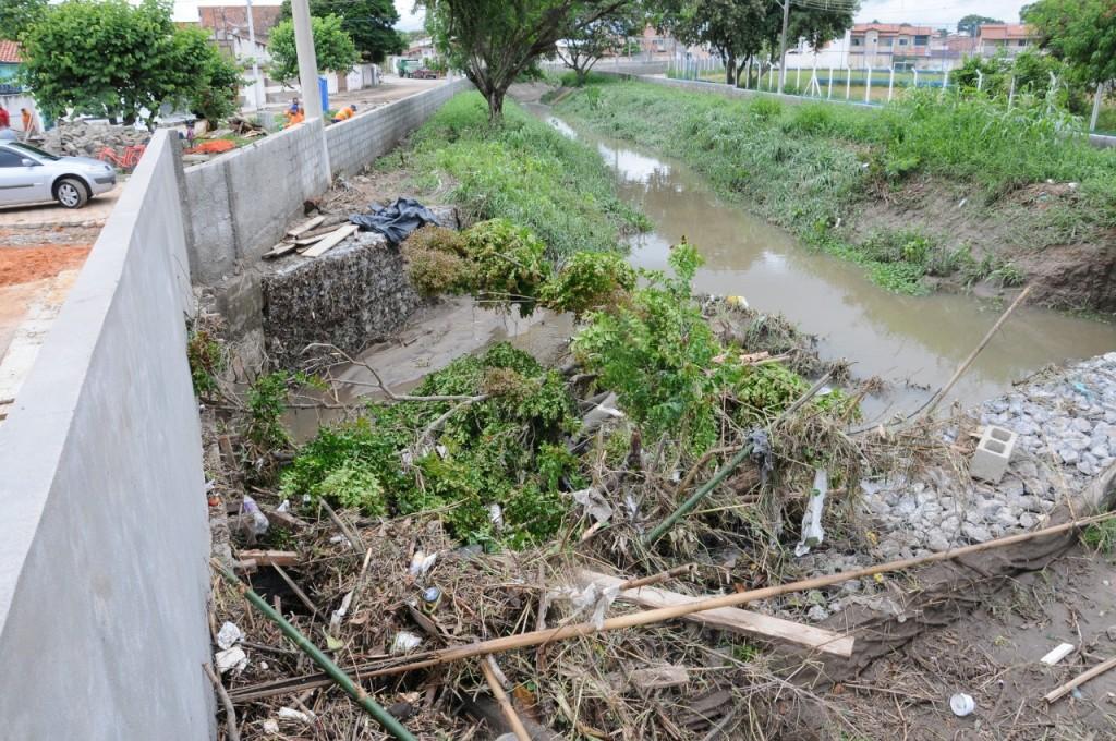 Chuvas torrenciais causam danos em Lorena e Região (2)